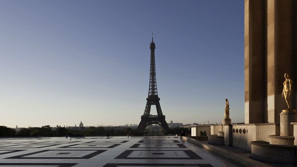 """Paris """"night to day"""""""